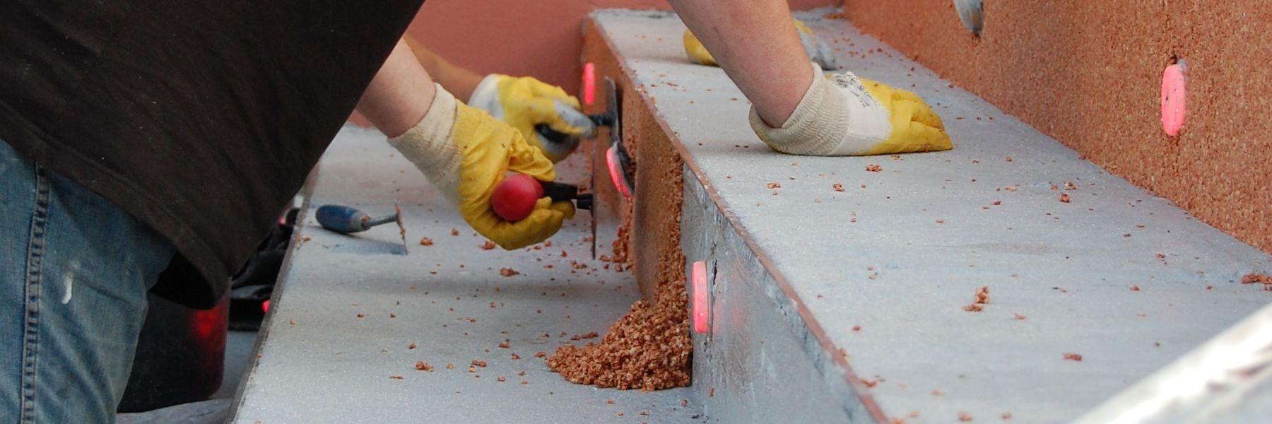 PU vertikal, Bindemittel für Steinteppich oder Colorquarz im Innen- und Aussenbereich für Sockel, Setzstufen, Kanten, Wände