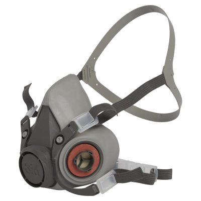 Atemschutzmaske halb
